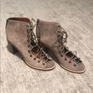 NEVER WORN!!!!! Jeffrey Campbell Lace-Up Heels